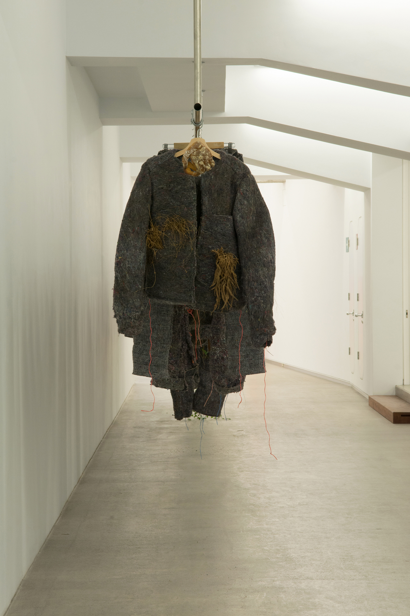Zigor Barayazarra (2016) - Ejercicios de voluntad (vivir en la escultura)